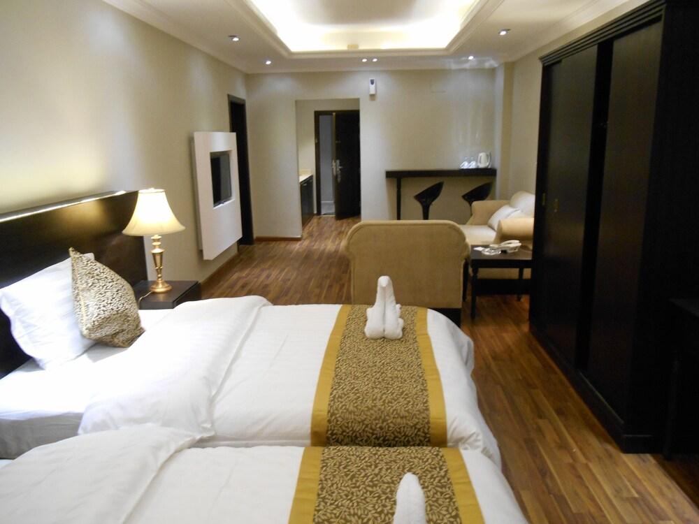 Shamaat Jeddah Hotel