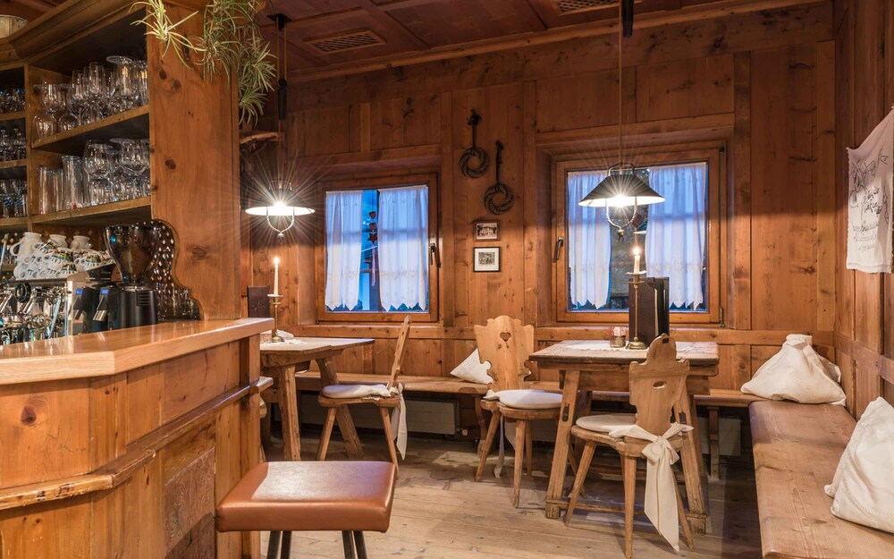 Gallery image of Hotel Strasserwirt Herrenansitz zu Tirol