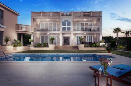 Luxury Apartment & Rooms Vila Carissa