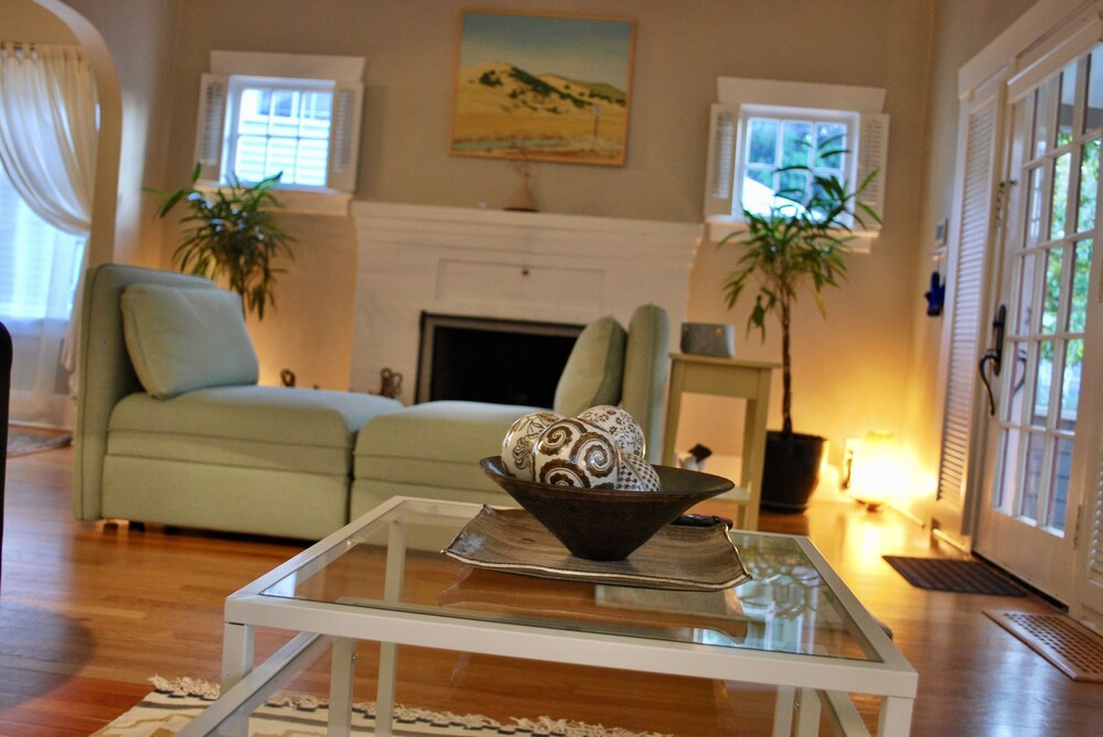 Stylish Craftsman Premium Comfort