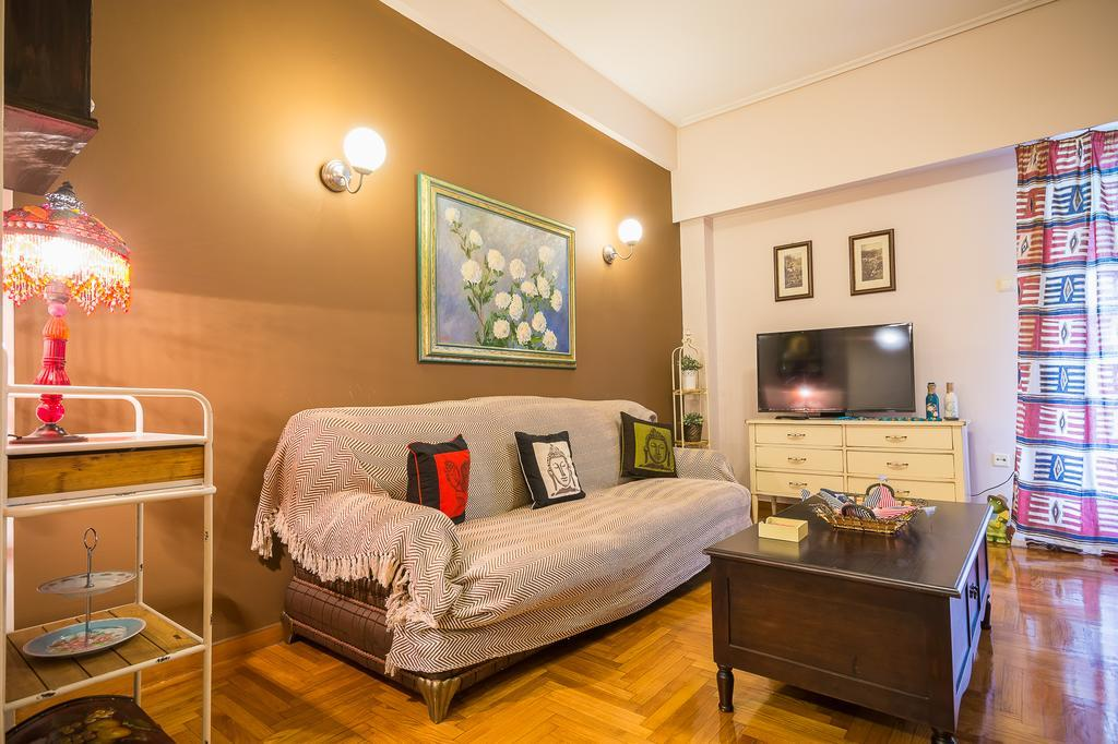 Comfortable Central Athens Flat by Cloudkeys