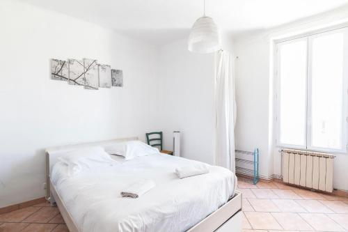 Available And Secure Pretty T2 2 People Marseille