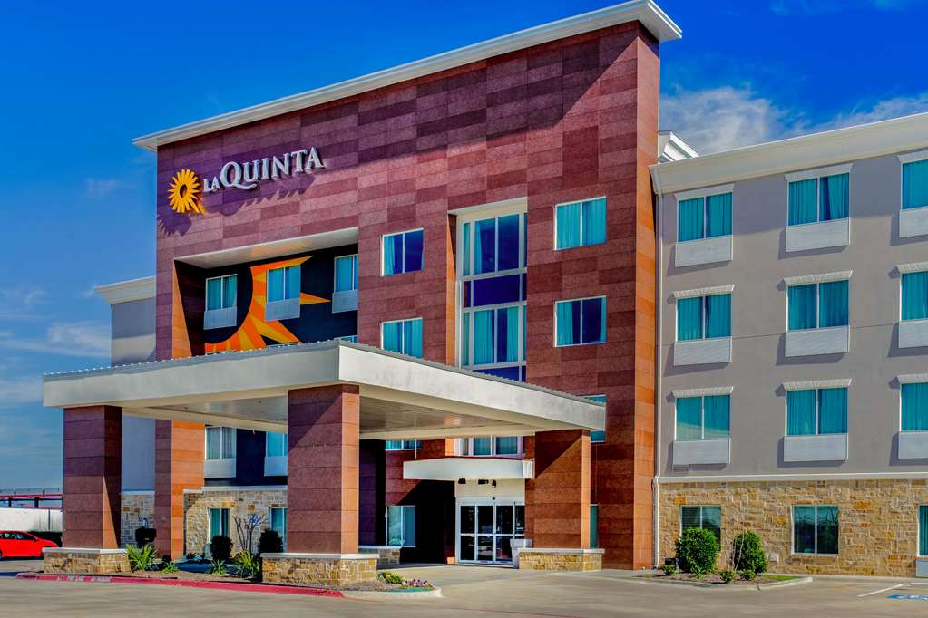 Gallery image of La Quinta Inn & Suites by Wyndham Northlake Fort Worth