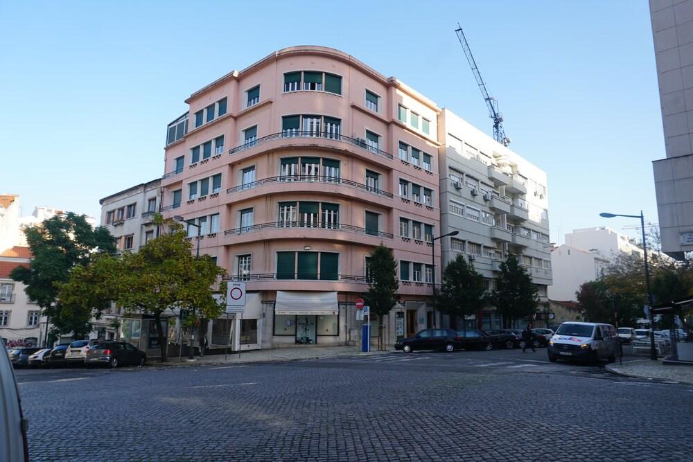 Avenida Cozy Apartment