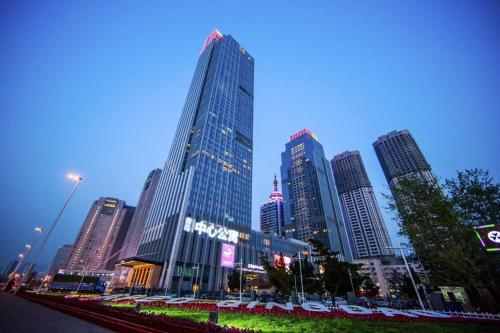 Qingdao Elegant Central Apartment