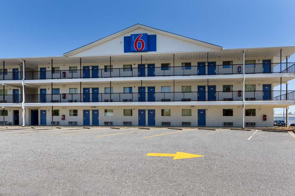 Gallery image of Motel 6 Greenville SC