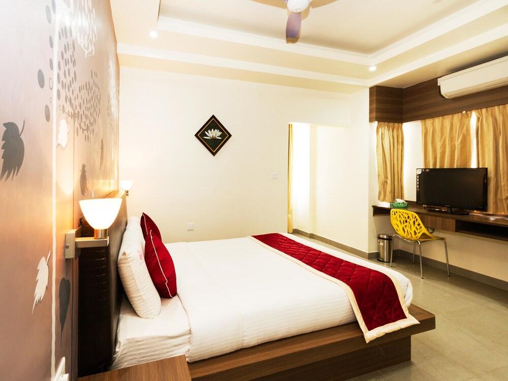 OYO 378 Aira Apartments Near Manipal Hospital