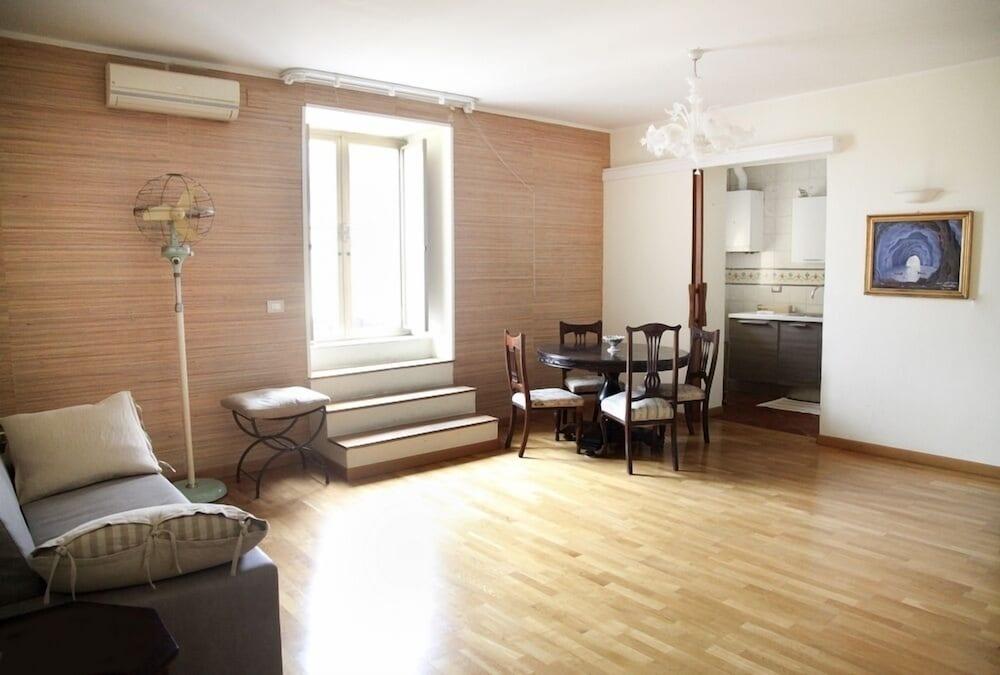 Gramsci Apartments