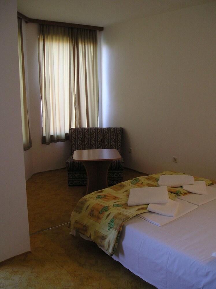 Gallery image of Family Hotel Sunarita
