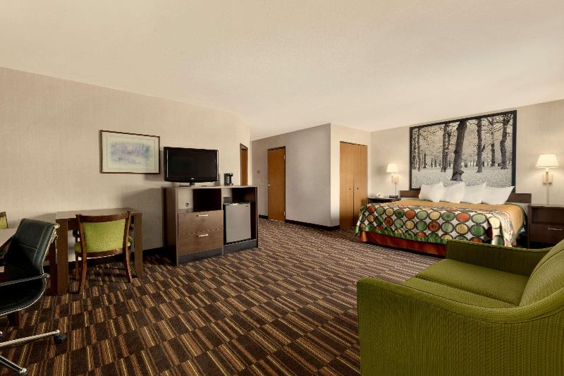 Gallery image of Super 8 by Wyndham West Springfield Route 5