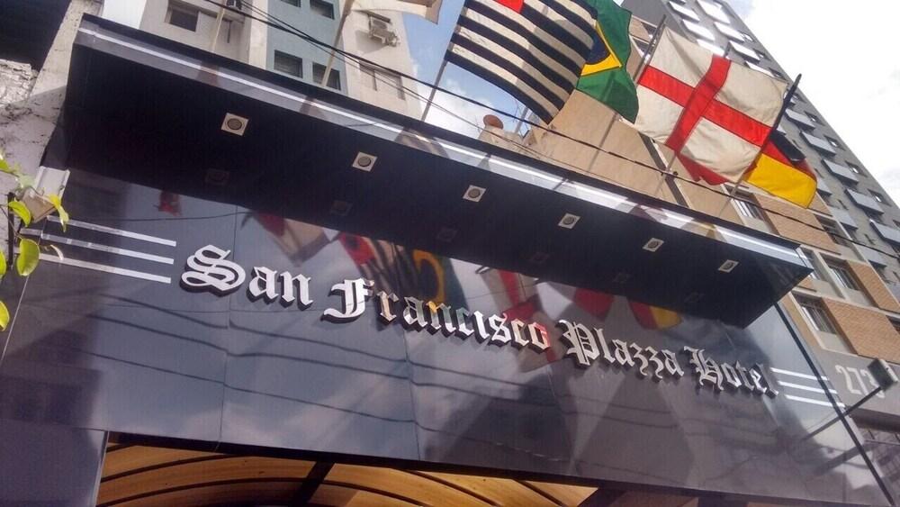 OYO San Francisco Plazza