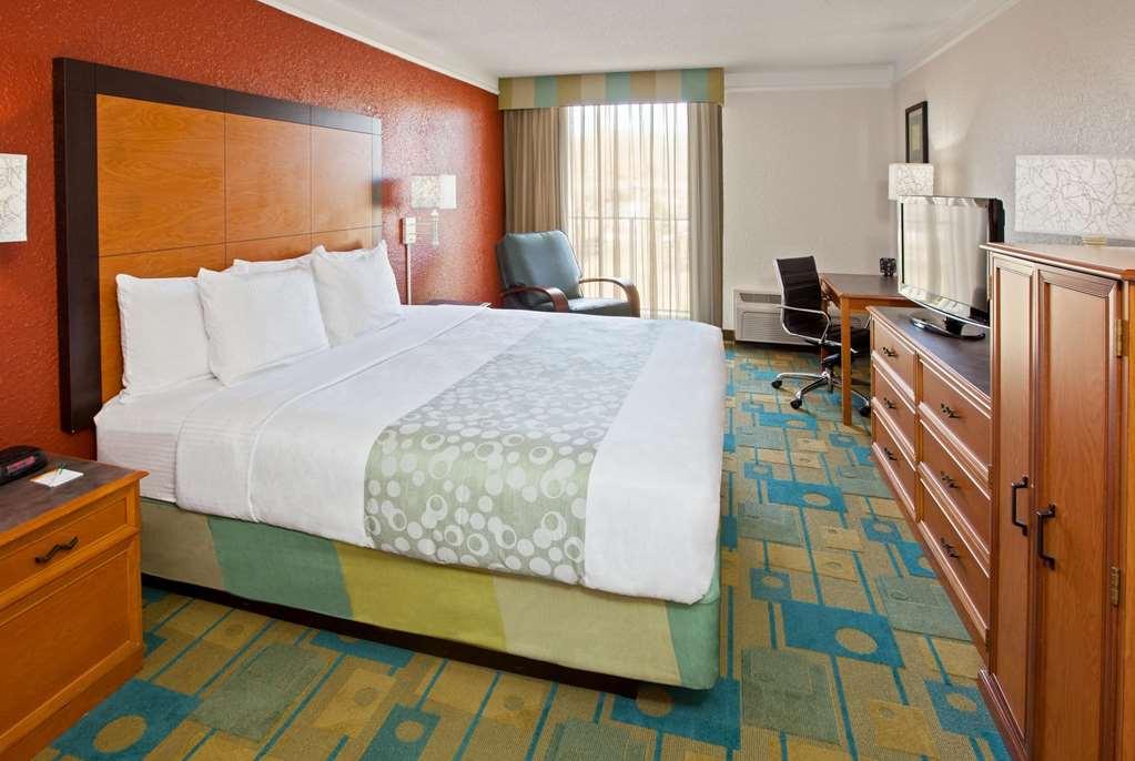 Gallery image of La Quinta Inn & Suites by Wyndham Nashville Airport Opryland