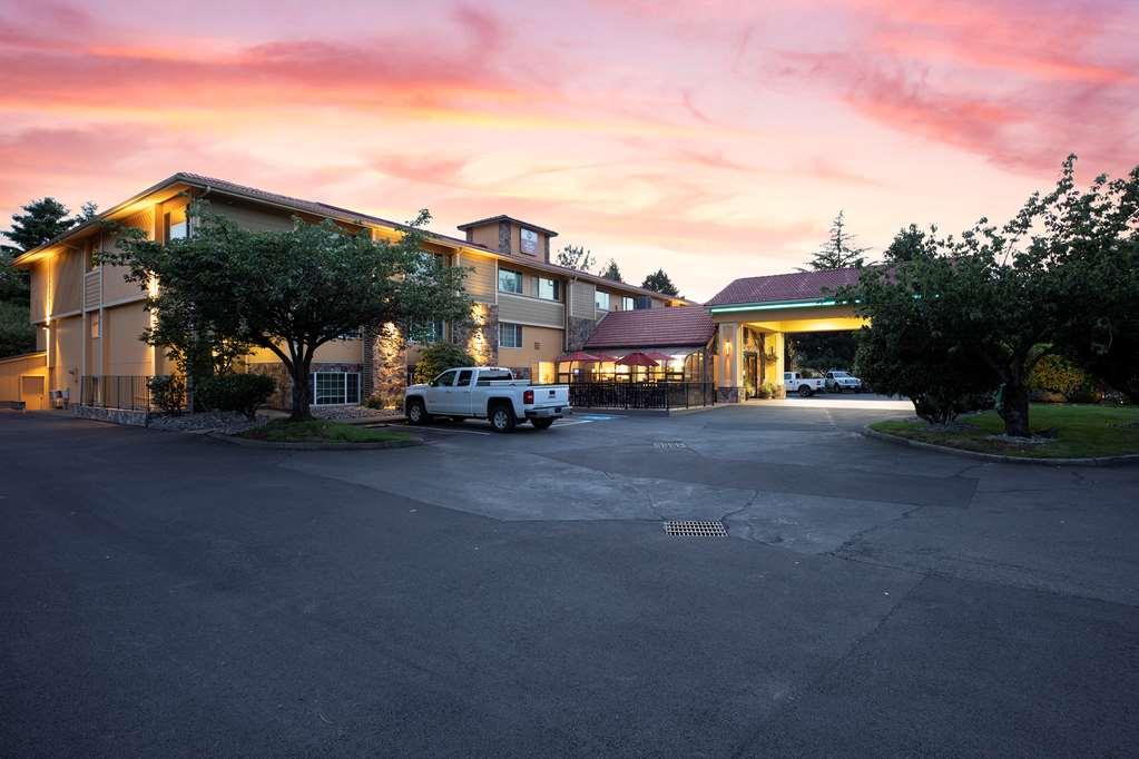 Gallery image of Best Western Plus Parkway Inn