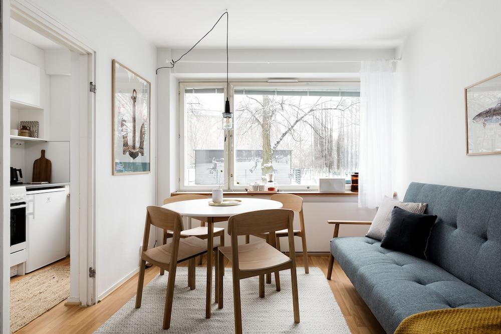 Central Design Studio Home