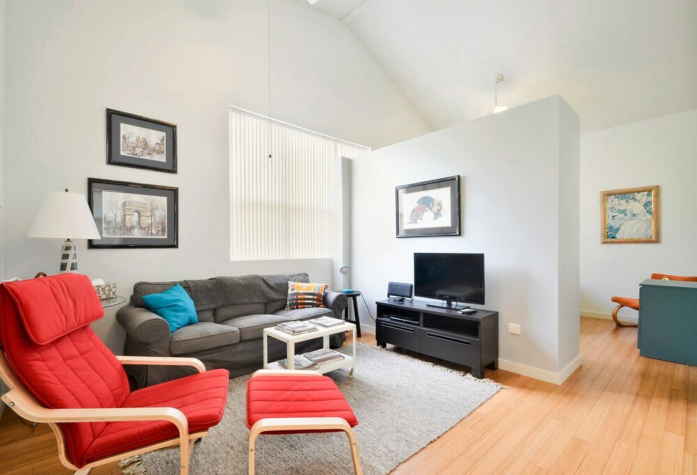 1BR South Austin Steps from 1st by RedAwning