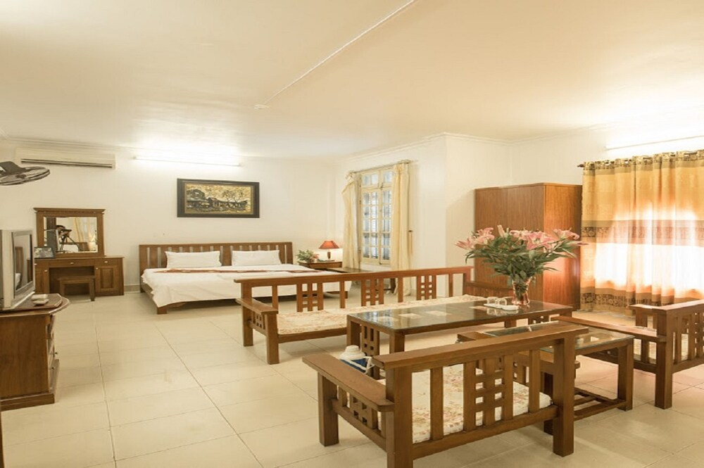 Gallery image of Trang An Plaza Hotel