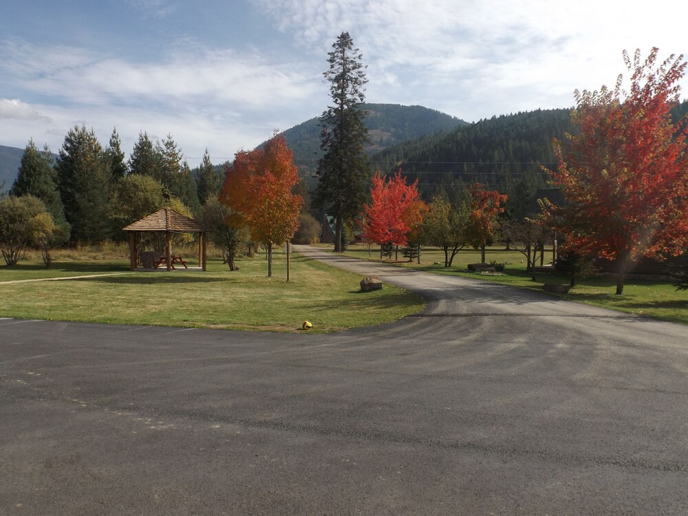 Gallery image of Clark Fork Lodge