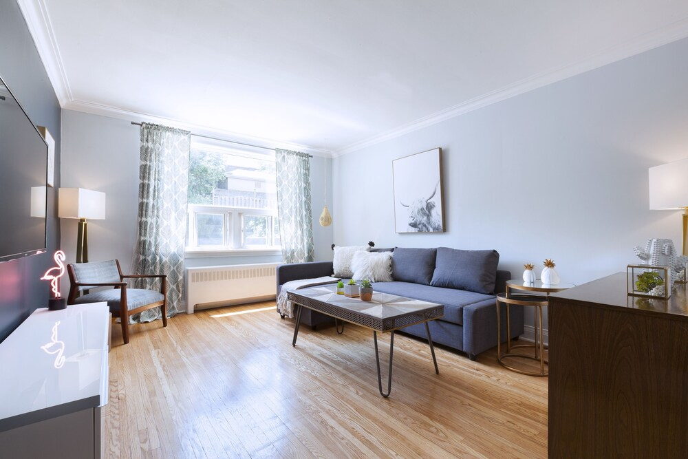 Bright 4 Bedroom in Forest Hill