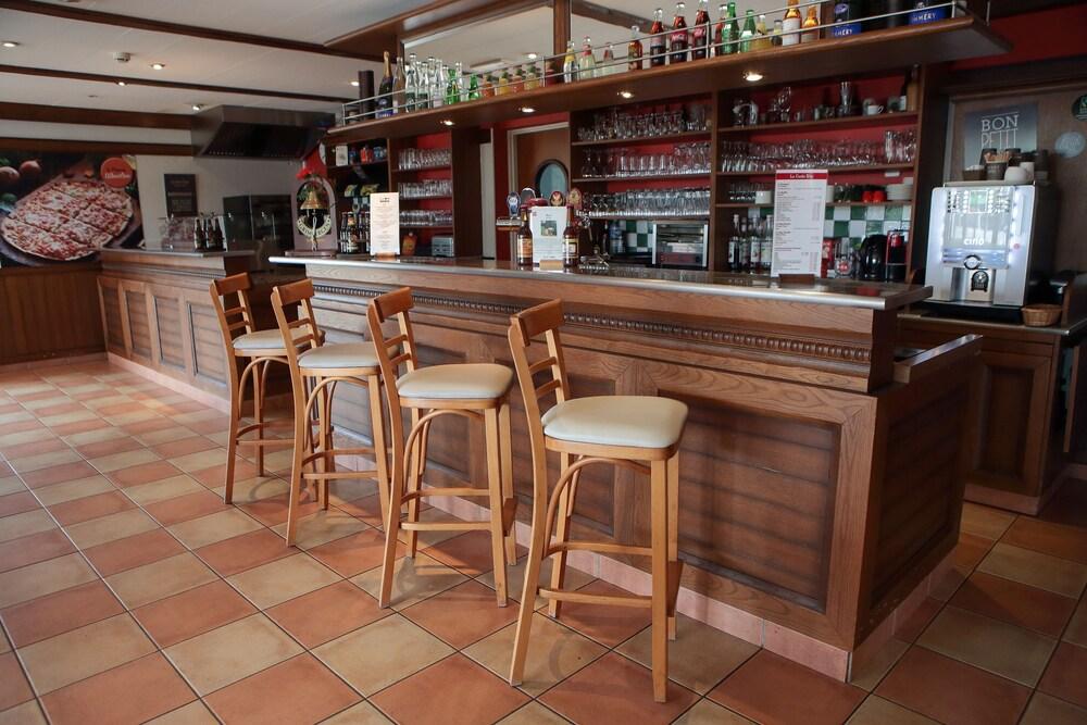Gallery image of Ibis Albert Pays de Somme