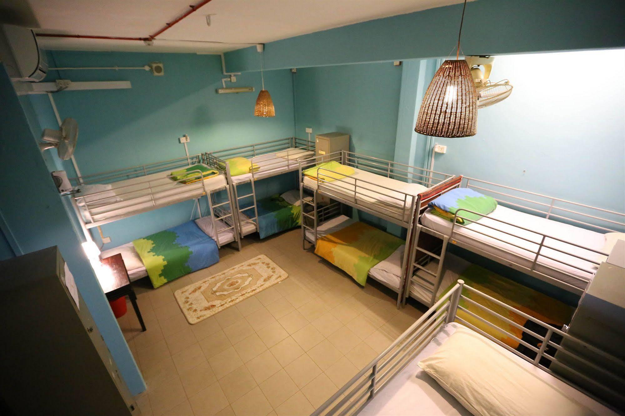 Fernloft Chinatown Hostel