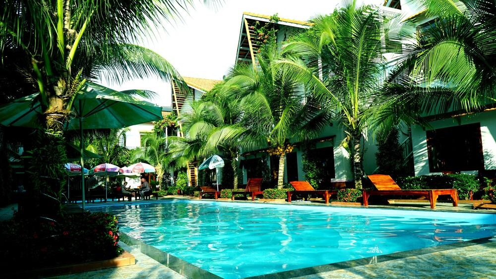 Camellia Resort & Spa