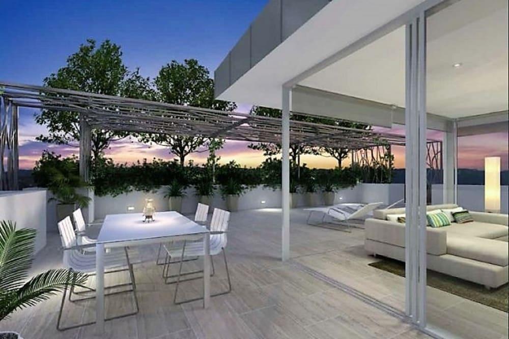 NEO Apartments Holidays Gold Coast