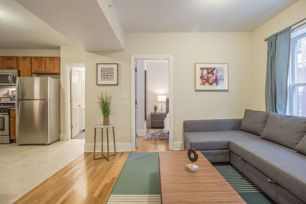Spacious 3BR in Heart of North End by Domio