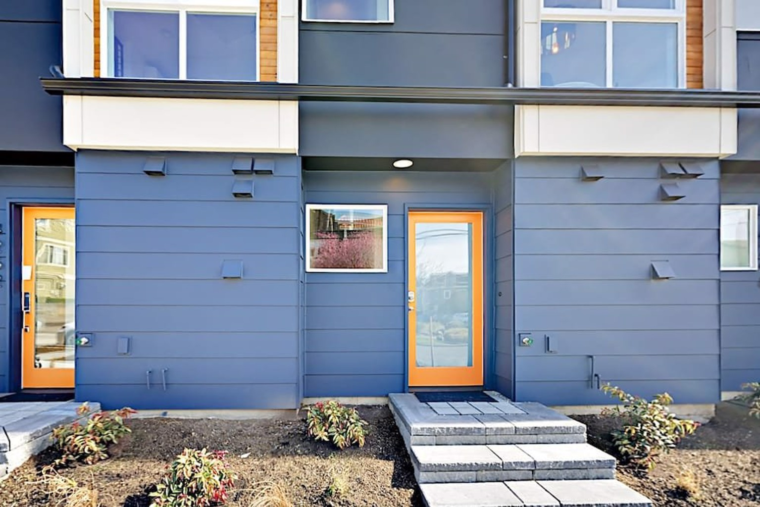 Bright 2br W Private Rooftop Patio 2 Bedroom Townhouse