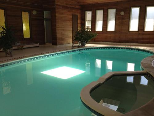 Guesthouse with indoor pool