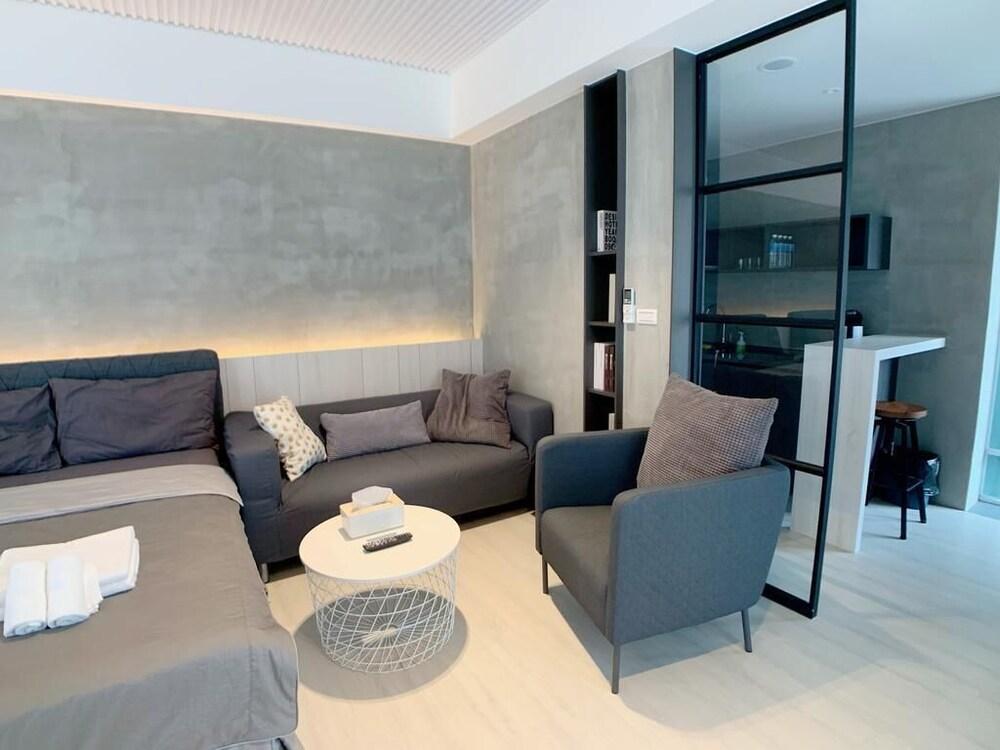 Lea's apartment B