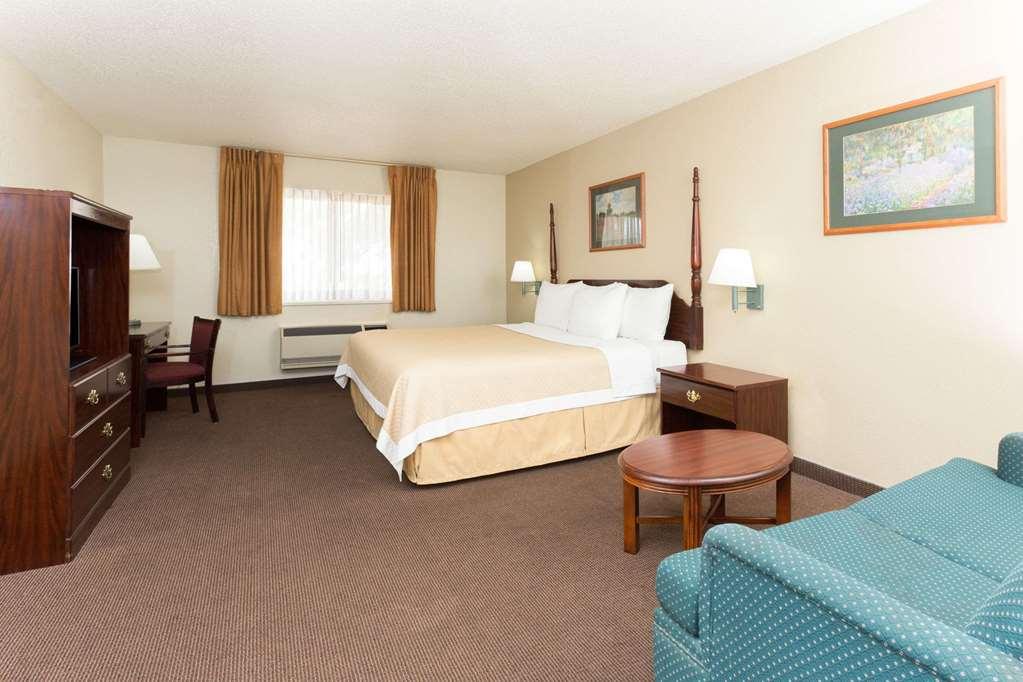 Gallery image of Days Inn by Wyndham Colorado Springs Airport