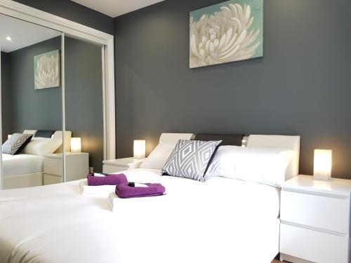 Glasgow's Modern & Stylish 3 Bedroom Aparment