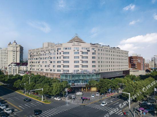 James Joyce Coffetela Tianjin Development Zone San