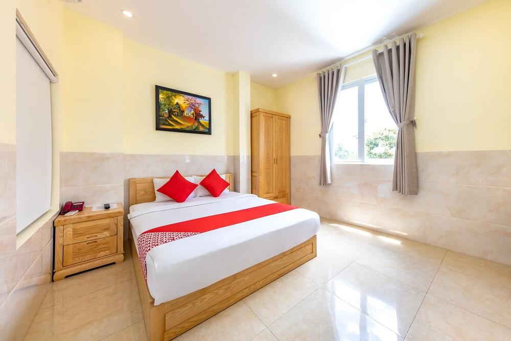 Oyo 343 Phu Quynh Hotel