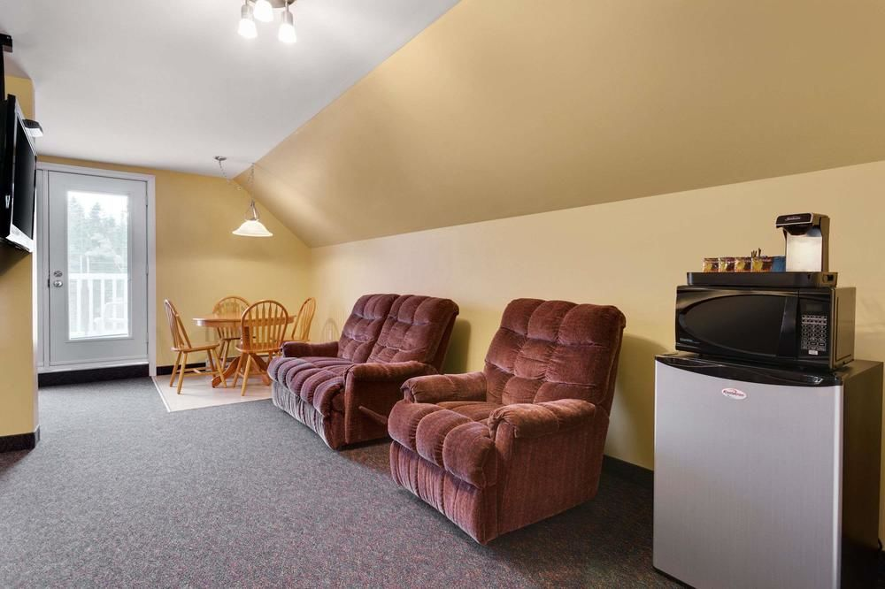 Gallery image of Travelodge by Wyndham Fredericton