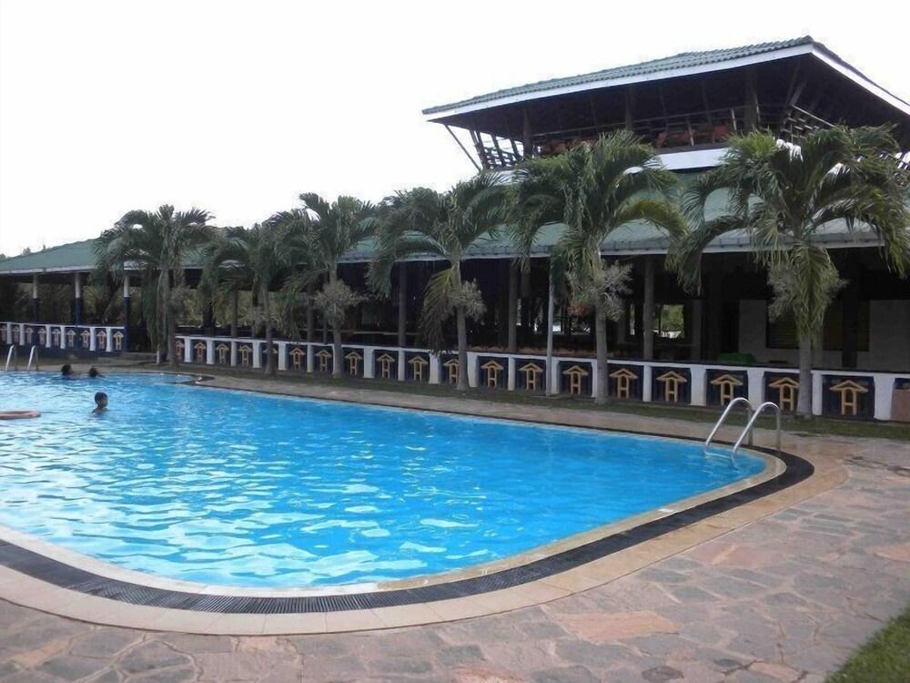 Gallery image of Kumudu Valley Resort