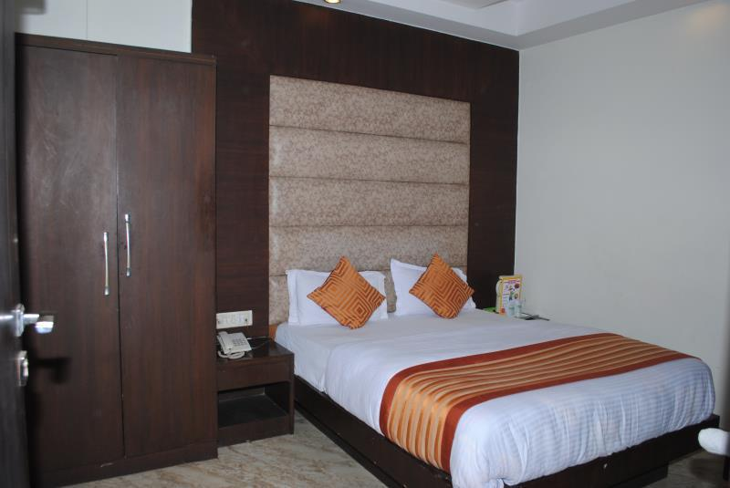Hotel Seven Seas Inn