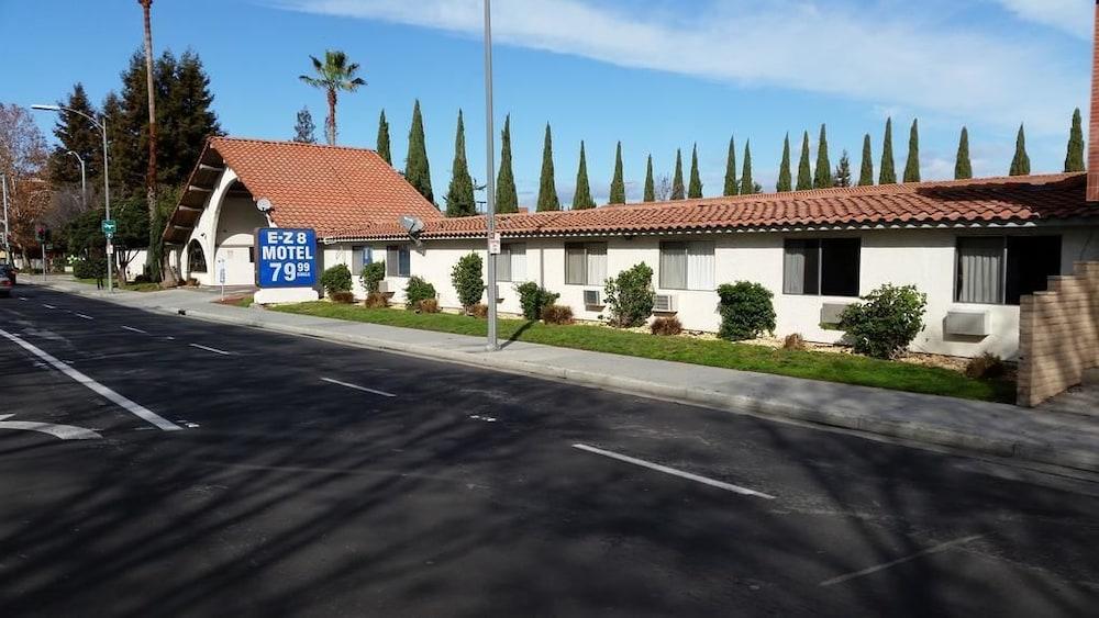 E Z 8 Motel San Jose 1