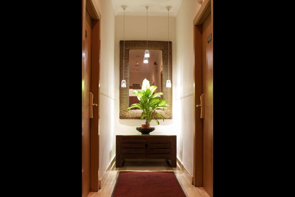Gallery image of OYO Hotel Boutique Reina Mora