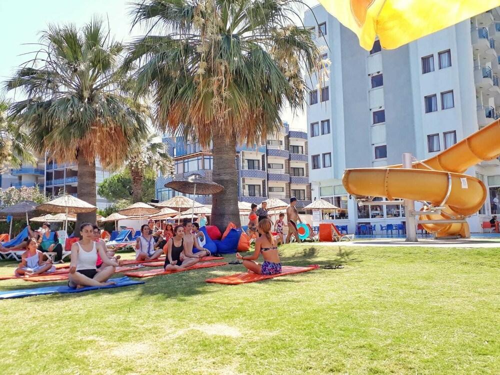 Gallery image of Nuova Beach Hotel
