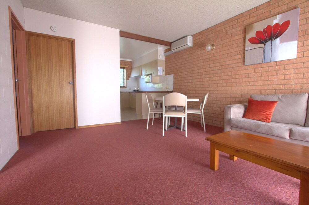 Gallery image of Blue Whale Motor Inn & Apartments