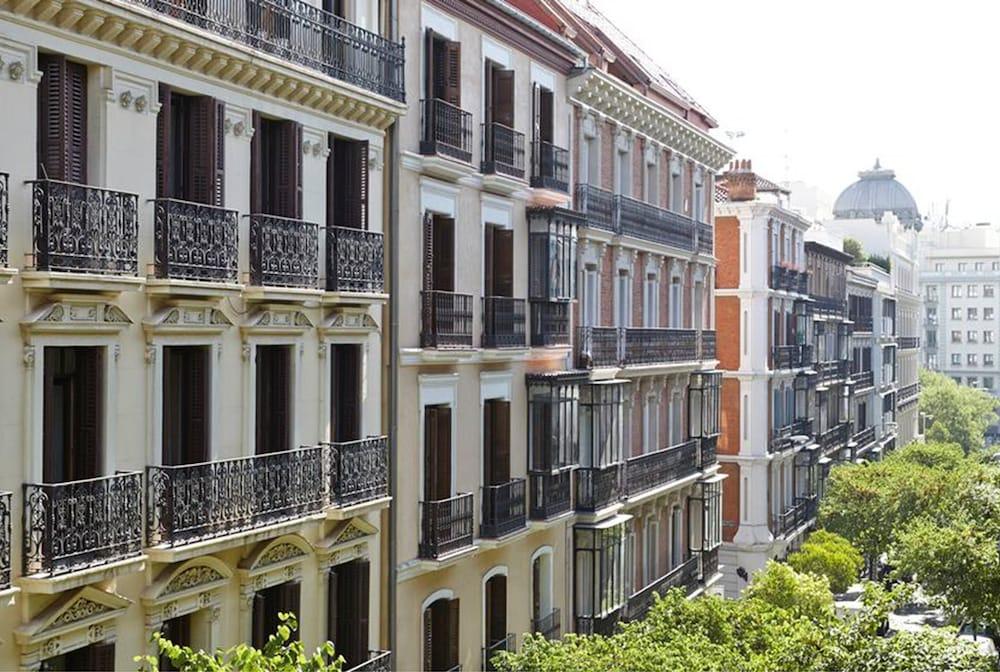 60 Balconies Recoletos