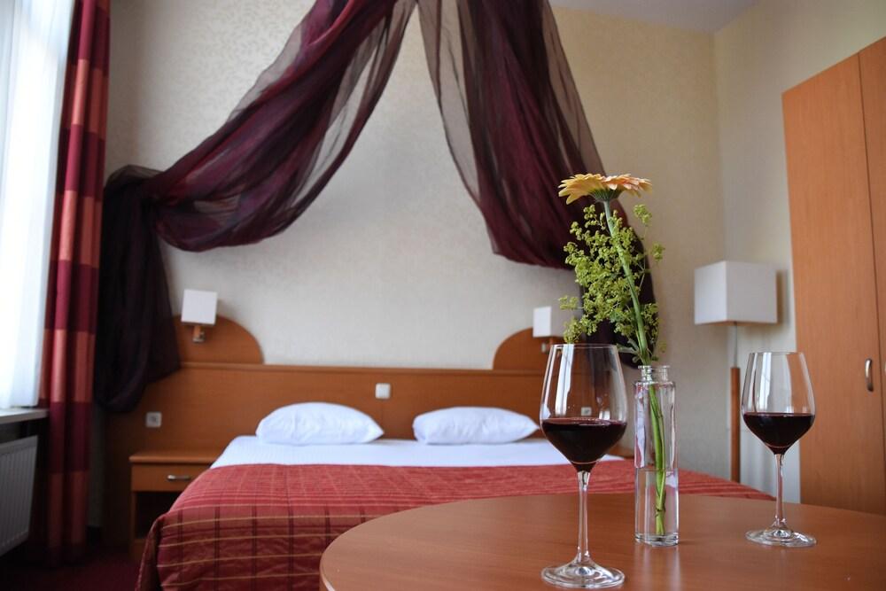 Gallery image of Hotel Restaurant la Sonnerie