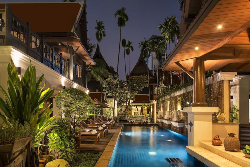 Davis Bangkok