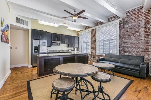 Modern Condos near French Quarter & Bourbon Street