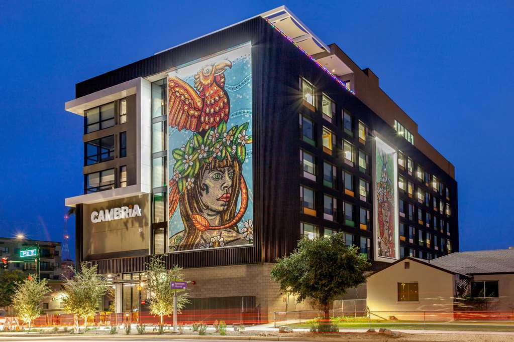Cambria Hotel Downtown Phoenix Convention Center