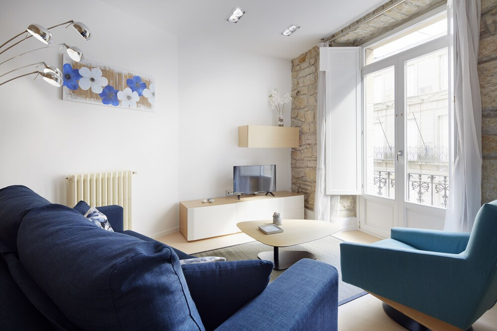 Prim Suite 2 Apartment by FeelFree Rentals