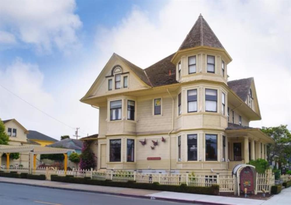 Gallery image of Pacific Grove Inn