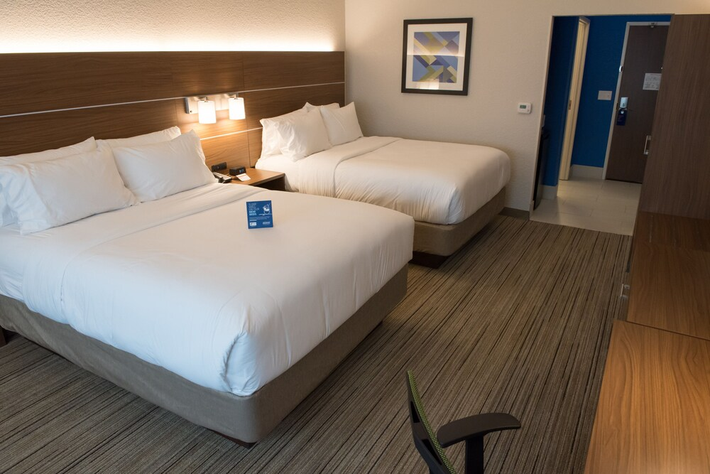 Gallery image of Holiday Inn Express & Suites Orland Park Mokena