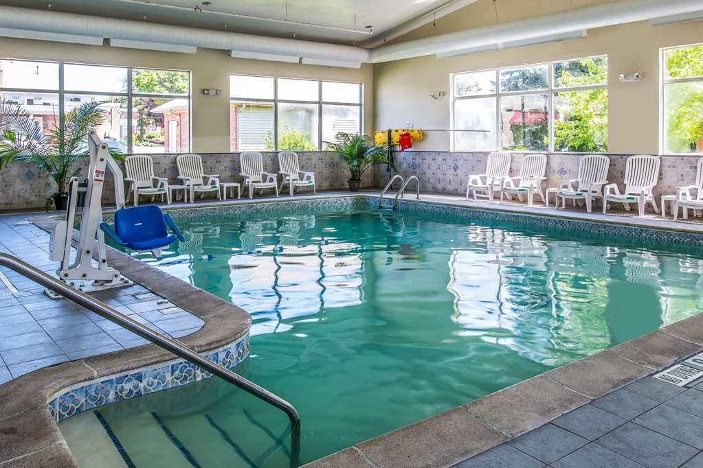 Quality Inn & Suites Ann Arbor Hwy 23
